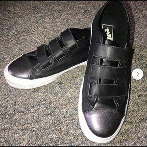 Vans Leather Metalic Velcro Black Sneakers